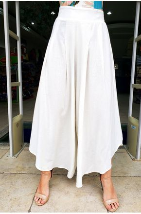 CALCA-CROPPED-RUNNING-OFF-WHITE-FARM